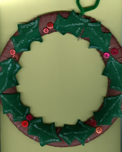 Yarn-wrapped Christmas wreath