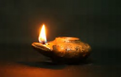 oil-lamp-from-ancient-times