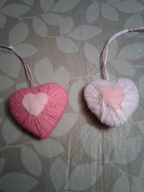 puffy yarn hearts.jpg