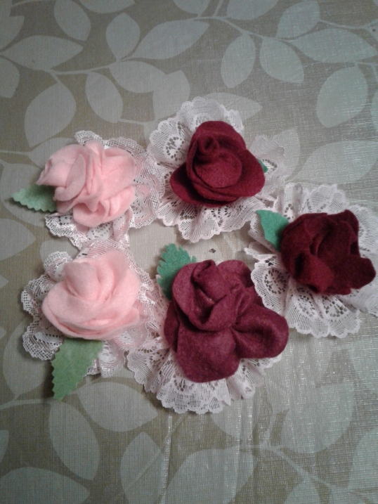 Roses and lace brooches #2